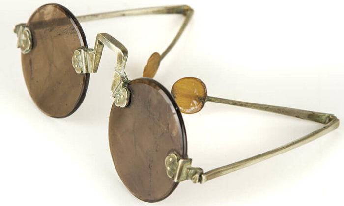 1810 chinese sunglasses facts