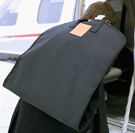 Essential Classic Luggage The Garment Hanger Bag