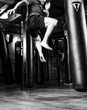 overcome-male-depression-kickboxing