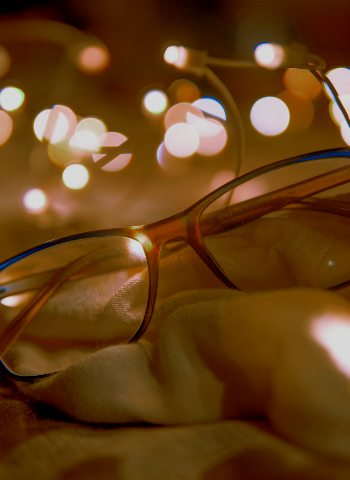 glasses-and-holiday-lights