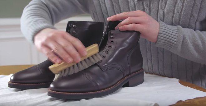 leather-boot-care-brush-off-dirt-1