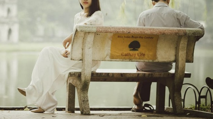 breakup on bench by lake