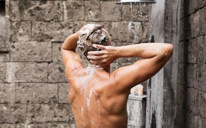 man showring
