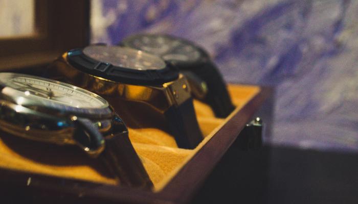 cheap items watch case