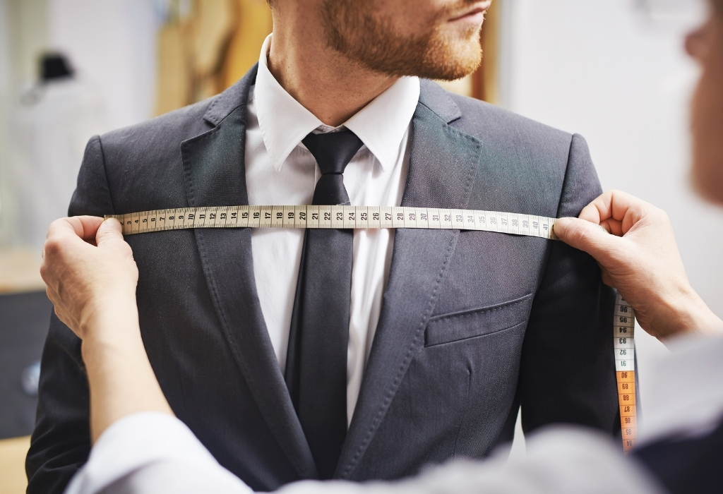 Tailor Measures for bespoke suit - difference between bespoke and made to measure suits
