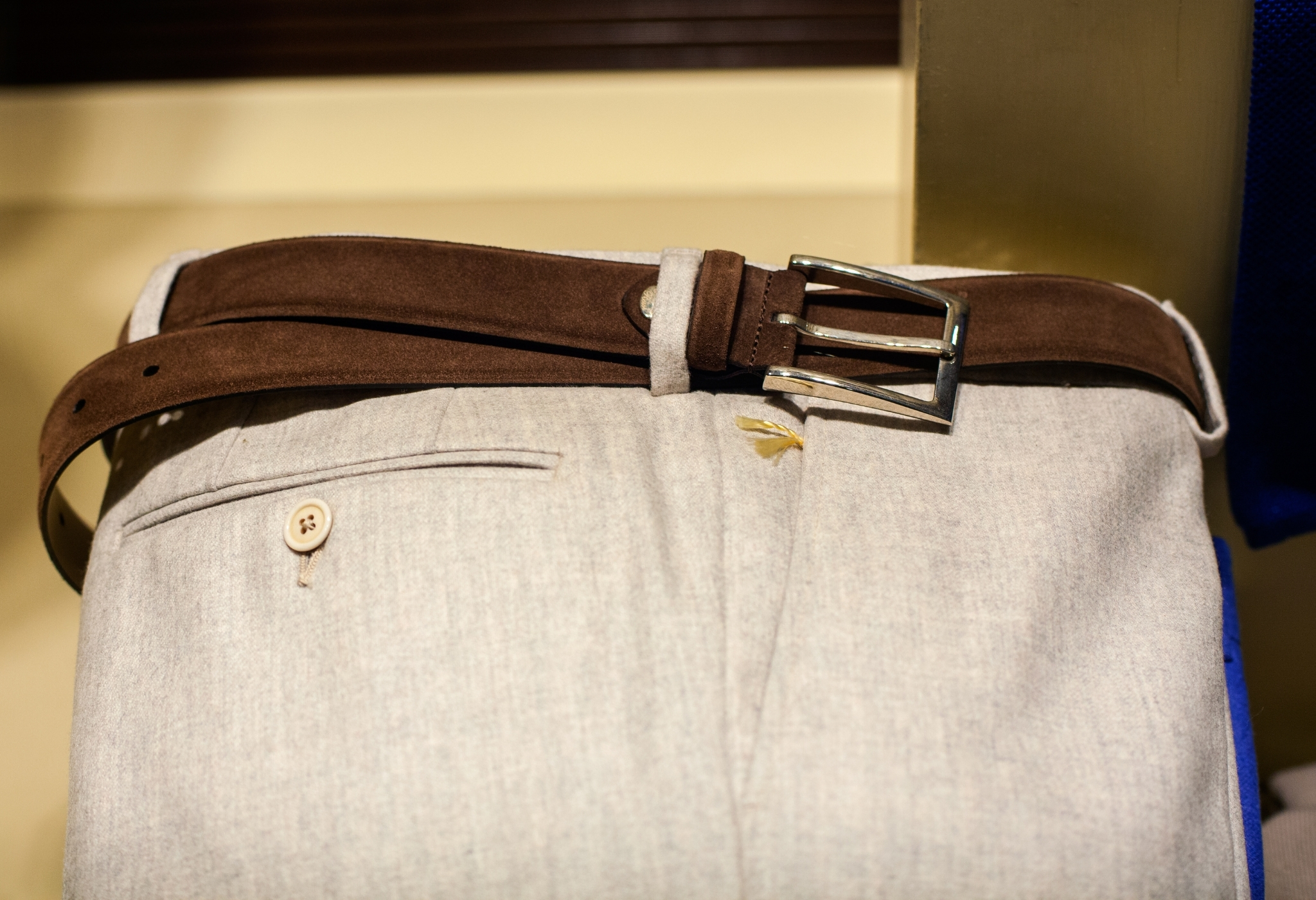 choosing the right pocket style is one of the best clothing hacks for guys
