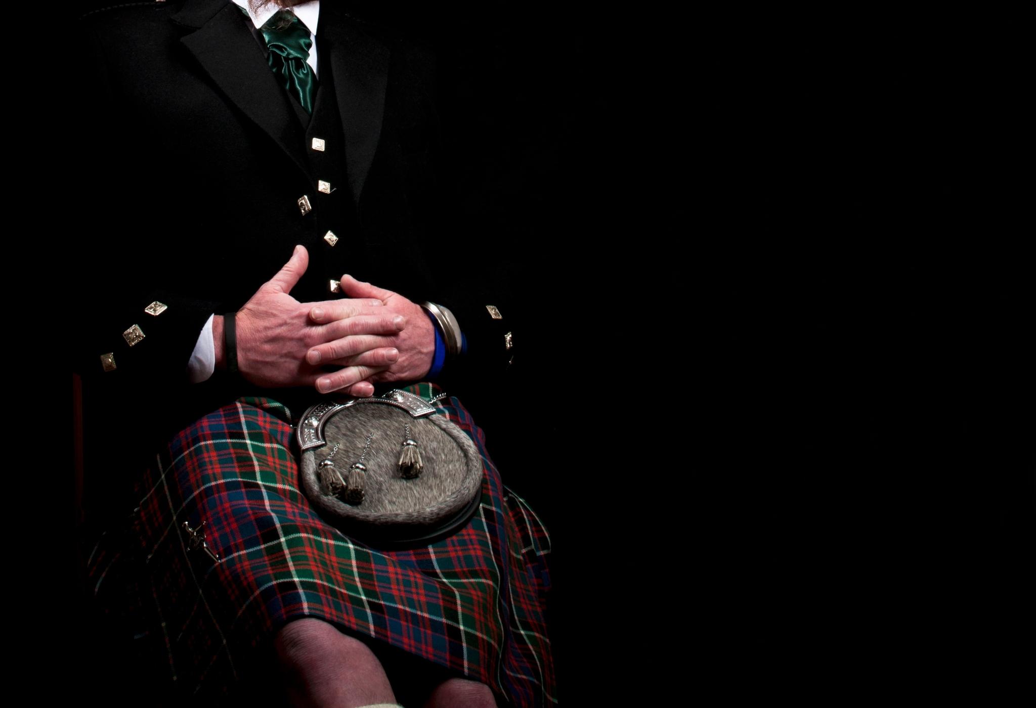 homem escocês vai commando de kilt